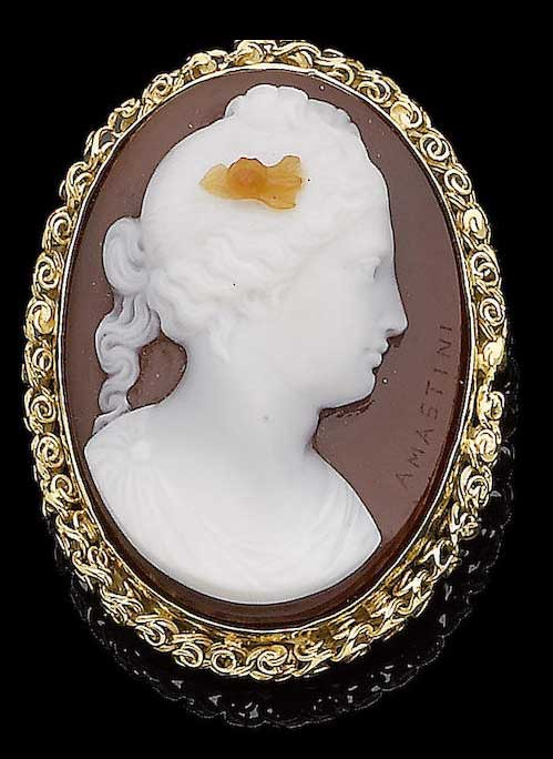 An early 19th century chalcedony cameo brooch/pendant, by Angelo Antonio Amastini