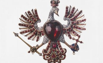 Polish eagle with a garnet body