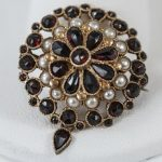 Estate 14kt Yellow Gold Seed Pearl & Garnet Brooch.