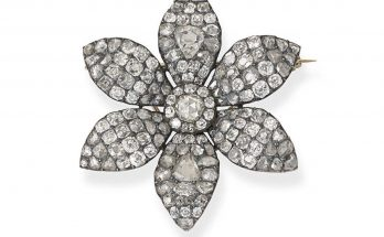 A late 18th century diamond flower brooch