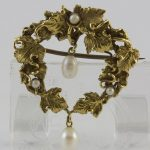Vintage 14k yellow gold wreath brooch