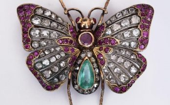 Victorian 18k Gold Butterfly Brooch