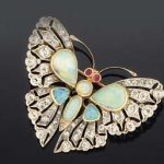 A LATE VICTORIAN OPAL AND DIAMOND BROOCH/HAIR ORNAMENT